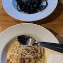 Good pasta, poor service, sweaty lunch