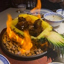Flaming Pineapple Beef (S$28)