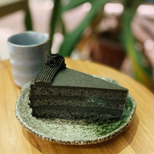 One of the best Black Sesame cakes around 🤩