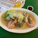 shrimp and lala bee hoon