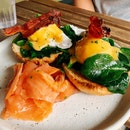 Eggs Ben-jamin ($20) with Smoked Salmon (+$4)