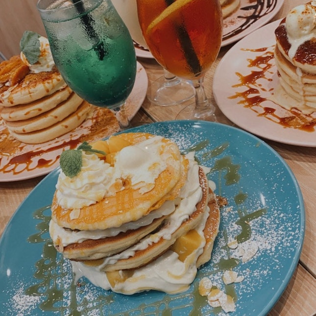 • grilled apple with homemade caramel pancake •