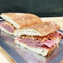 #corned #beef #sandwich with a sundried #tomato #slaw...
