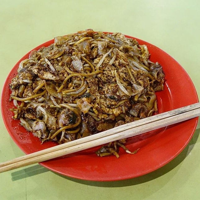 Char Kway Teow -$3  There are not many decent Char Kway Teow places left in Singapore, Hai Kee is one of them.