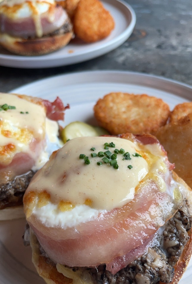 Back for More Of Eggs Benedict😍