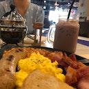 Nice leisurely breakfast at 2Six