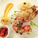 Half of a Boston Lobster #lobster #seafood #italian #food #instafood