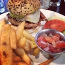 Pork burger (Caramelized Onions, Jalapeño, Mozzarella Cheese, Tomato Salsa, Pickles, Guacamole) #burger #food #foodporn #fat