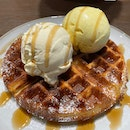 Waffles with two premium scoop