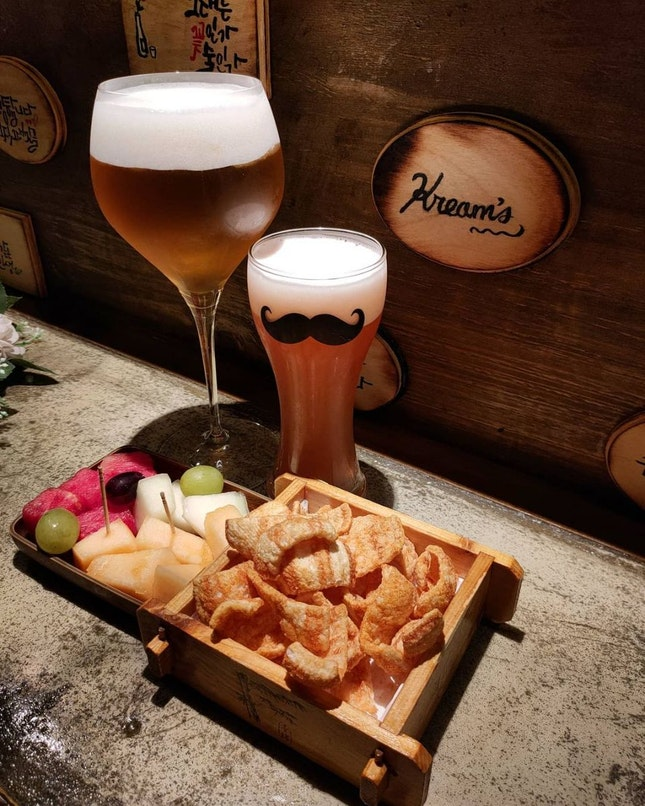 Cosy floral-themed Korean bar, selling unique Korean beer!