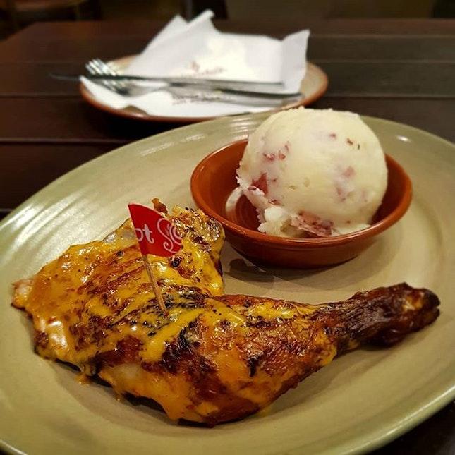 🍗nando's @ star vista 🍴 🍴 🍴 #singaporefood #sgfood #sgeats #instafood #instafoodsg #sgfoodsg #sgfoodlover #sglocalfood #whattoeat #whattoeatinsg #foodsg #exploresingaporeeats #exsgcafes #burpple #burpplesg #uncagestreetfood #exploresingapore #singaporeinsiders #sgigfoodies #sgfoodies #foodshare #roast #roastchicken