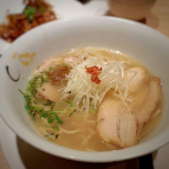 🕖Shio Hamaguri Soup Ramen 🥢 Konjiki Hototogisu 📍CHIJMES 🥢 🥢 #singaporefood #sgfood #sgeats #instafood #instafoodsg #sgfoodsg #sgfoodlover #sglocalfood #whattoeat #whattoeatinsg #foodsg #exploresingaporeeats #exsgcafes #burpple #burpplesg #uncagestreetfood #exploresingapore #singaporeinsiders #sgigfoodies #sgfoodies #foodlist #ramen