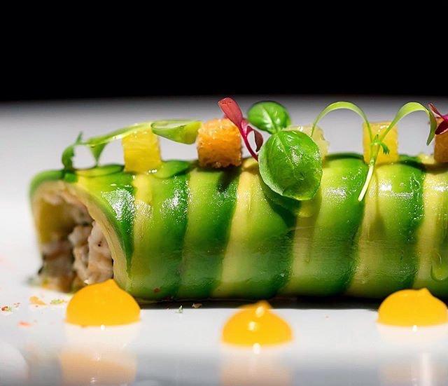 King Crab and avocado roll, pomelo flavors - L'Atelier de Joël Robuchon, Bangkok (2017.03) #missneverfull_bangkok #missneverfull_robuchon