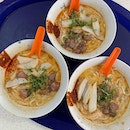 Another day at my fav Laksa Stall w/o chopsticks.