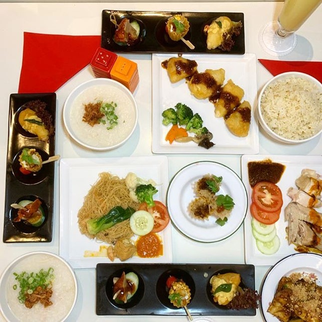 I N V I T E D  T A S T I N G ibis Singapore on Bencoolen @ibisbencoolensg  _ An all-new lunch buffet at TASTE Restaurant at $12++, featuring a new themed menu every two months.