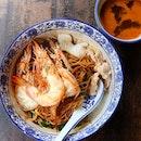 大大虾 Dry rice vermicelli with large prawns.