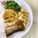 Simple lunch of Spinach, Tofu, Fried Fish_The beauty of economic rice is that you get to choose what you like and how much you like to eat.