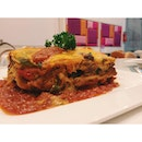 I love my meats, but this vegetarian version of Mexican Lasagne @cafesalivation was so amazing and satisfying!