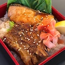 Trying out the Salmon & Soft Bone Pork combo at Manichi (满一) Chinese-Japanese fusion bistro.