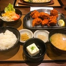 Chicken Karaage lunch set  炸鸡块套餐 $9.90 😋 无限量添加,吃到大家饱饱😄 ⠀⠀⠀⠀⠀⠀⠀⠀⠀ ⠀⠀⠀⠀⠀⠀⠀⠀⠀ ⠀⠀⠀⠀⠀⠀⠀ ⠀⠀⠀⠀⠀⠀⠀⠀⠀ ⠀⠀⠀⠀⠀⠀⠀⠀⠀⠀⠀ ⠀⠀⠀⠀⠀⠀⠀⠀⠀ ⠀⠀⠀⠀⠀⠀⠀ ⠀⠀⠀⠀⠀⠀⠀⠀⠀ ⠀⠀⠀⠀⠀⠀⠀⠀⠀ ⠀⠀⠀⠀⠀⠀⠀⠀⠀ ⠀⠀⠀⠀⠀⠀⠀ ⠀⠀⠀⠀⠀⠀⠀⠀⠀ #burpple #burpplesg #hungrygowhere #sgeats #ilovefood #igfood #instayum #whati8today #exploresingapore #eatoutsg #foodie #instafoodsg #openricesg #food52  #sgigfoodies #foodiesg #sgcafe #cafesg  #chicken #rice #Igfoodie #japanesefood #新加坡 #新加坡美食 #吃貨 #美食 #美味 #美味しい #相機食先 #夕食