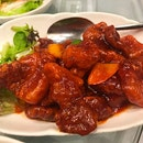 Items from the peach garden buffet menu (4) 荔枝咕噜香肉 (没有看到荔枝🙈) Sauteed Sweet and Sour Pork with Lychee 蒙古鸡 (几乎整块都是肉😆) Sauteed Chicken with Chef's Special Mongolia Sauce XO酱干爆鸡球  Stir-fried Chicken with X.O.