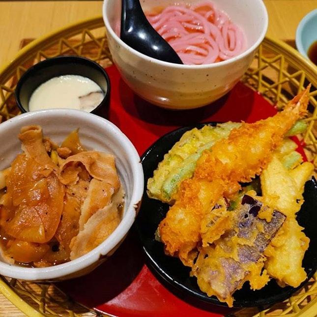 "It's sakura season 🌸 This ""Haru Takenawa"" from Akimitsu sakura season menu  Actually i dunno how does sakura taste like 🤷♂️😂 seem like their signature Don better 🤪 ⠀⠀⠀⠀⠀⠀⠀⠀⠀ ⠀⠀⠀⠀⠀⠀⠀⠀⠀⠀⠀ ⠀⠀⠀⠀⠀⠀⠀⠀⠀ ⠀⠀⠀⠀⠀⠀⠀⠀ ⠀⠀⠀⠀⠀⠀⠀⠀⠀⠀⠀ ⠀⠀⠀⠀⠀⠀⠀⠀⠀ ⠀⠀⠀⠀⠀⠀⠀⠀⠀⠀⠀⠀⠀⠀ ⠀⠀⠀⠀⠀⠀⠀⠀⠀ ⠀⠀⠀⠀⠀⠀⠀ ⠀⠀⠀⠀⠀⠀⠀⠀⠀"