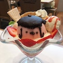 The Early Fatback: Strawberry Pudding Parfait from Pompompurin Café Singapore, which closes its doors on Sunday, 20 August 2017.