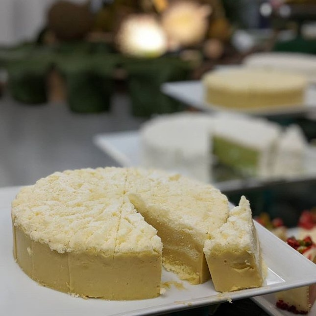 Just thinking about the preview of the Durian Fiesta 2019 at Goodwood Park Hotel (@goodwoodparkhotel) which I attended forty-one thorny spikes ago, and I swear my burp days later still carries that distinctive, kissable aroma.