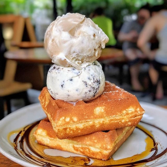 Just thinking about the Popping Root Beer Float ice cream that I had five locks ago at Creamier (@creamier_sg).