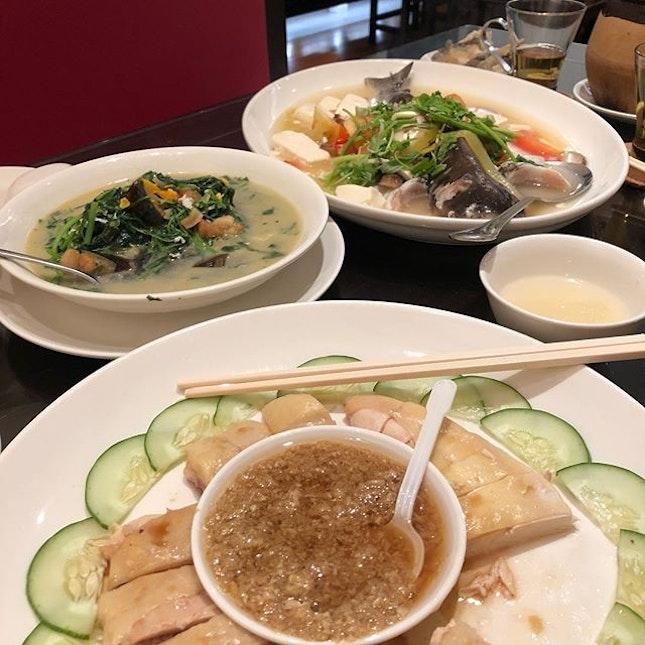 My lunch feast 😋  #burrple #burrplesg #chineserestaurant #suntec #chinese #三水鸡