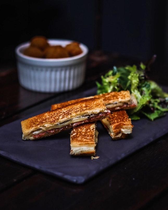 What BTM Mussels call their take on the croque monsieur, I call a bikini sandwich.