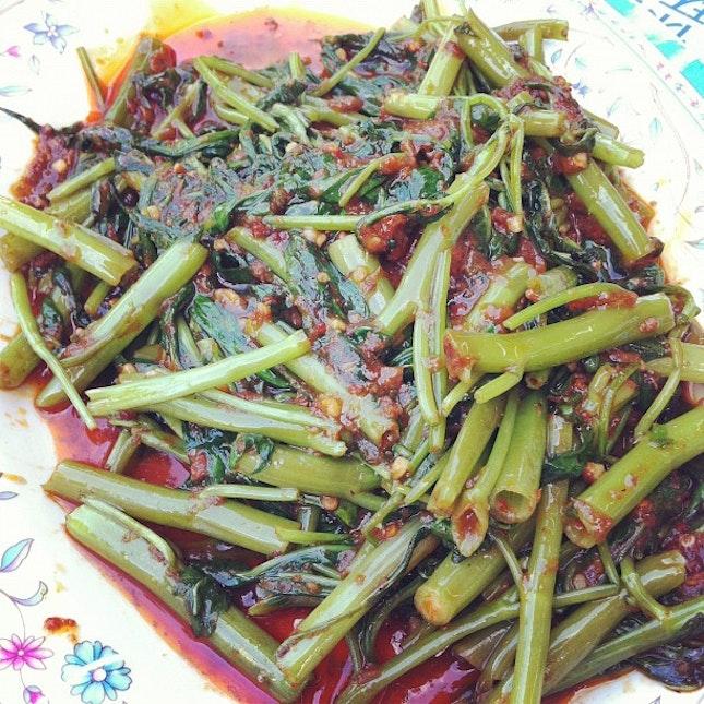 Sambal kangkong again #chilli #vegetable #dinner #getinmybelly #igsg #sgig #sgfood  #foodgasm #foodporn #foodstagram #foodstamping #foodforfoodies #foodphotography #instagood #instamood #instafood #instagramers #sharefood #iphoneasia #yum #igdaily