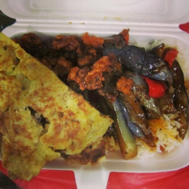 Forget about chicken rice, rojak & such.