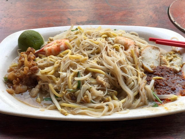 Yong Huat Fried Hokkien Prawn Mee ($5)