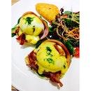 Eggs Benedict Doppio #sgfood #sgcafe #dinner #burpple
