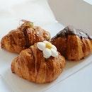 September Bake Box: Oolong Osmanthus & Rocher Croissant