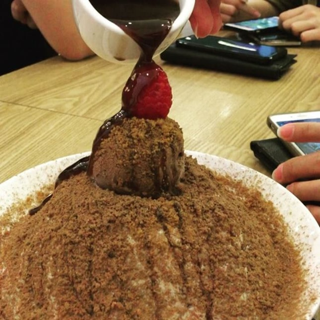 Chocolate bingsoo  Is the best seller of korean shaved ice store at somerset.