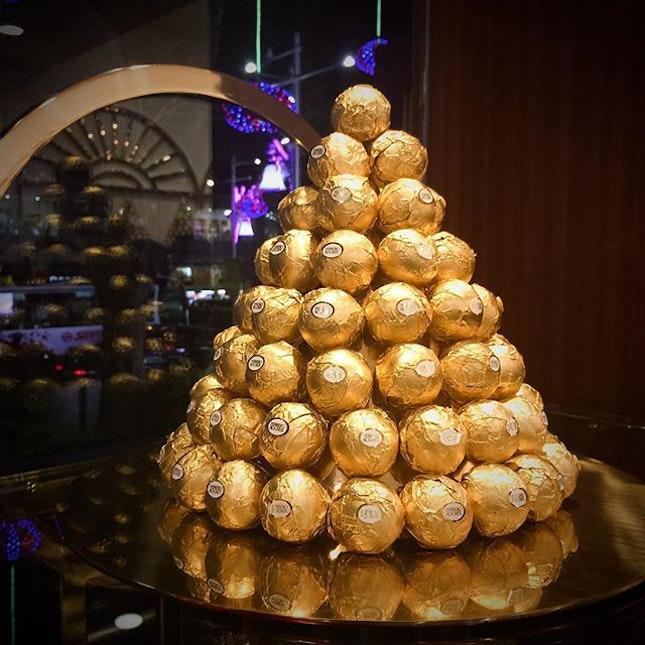 A Golden Christmas Tree