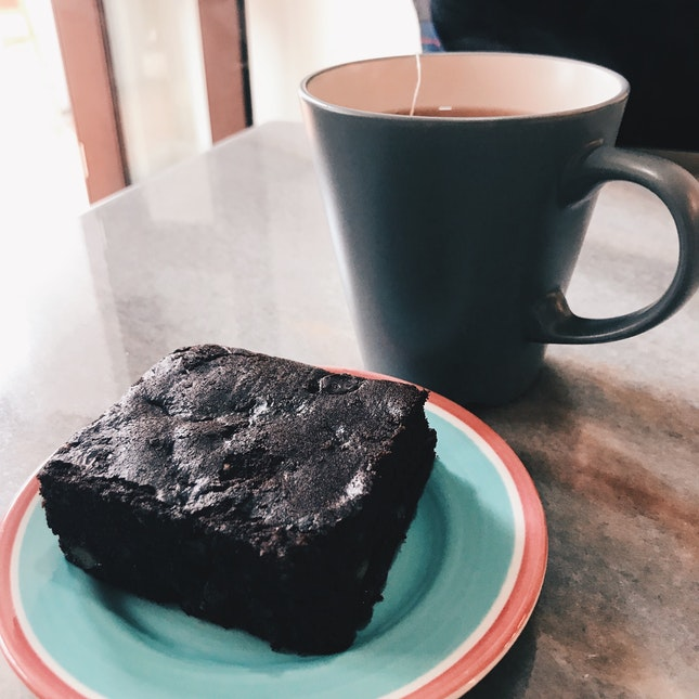Time to la kopi (tea)