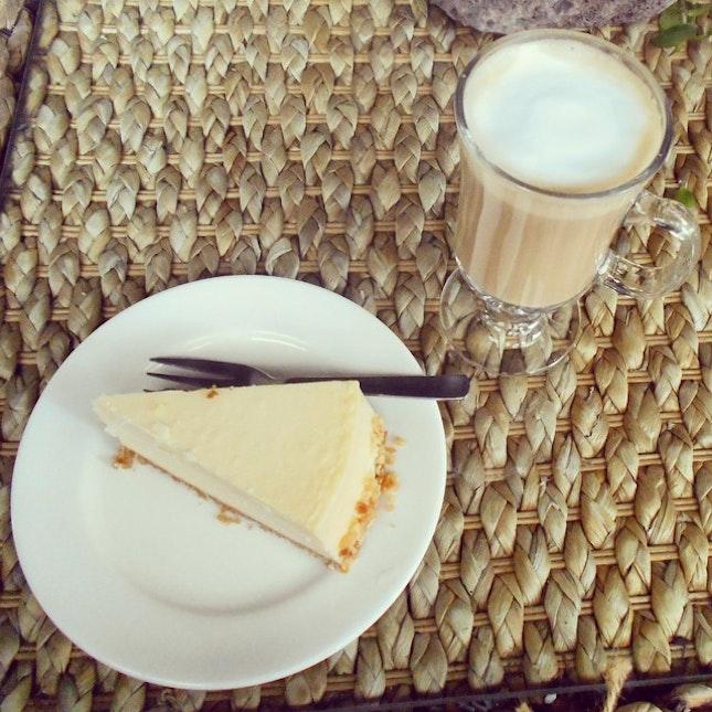 Boston cheese cake and suar free latte.