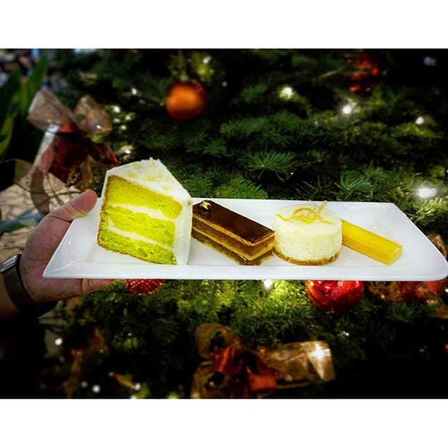 4 delectable cakes from P.Bistro .