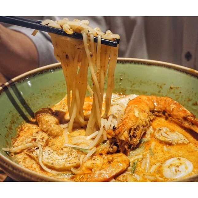 We indulged in some local delights such as this { Island Jumbo Prawn Laksa } after work this evening .