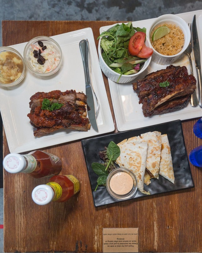Awesome Ribs In An Cosy Diner