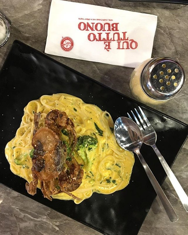 salted egg york soft shell crab pasta from pasta mania!