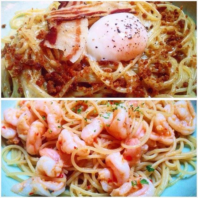 Carbonara w dat golden goodness & prawn aglio olio 🙆🏻🙆🏻 Food coma in progress 😢 #burpple
