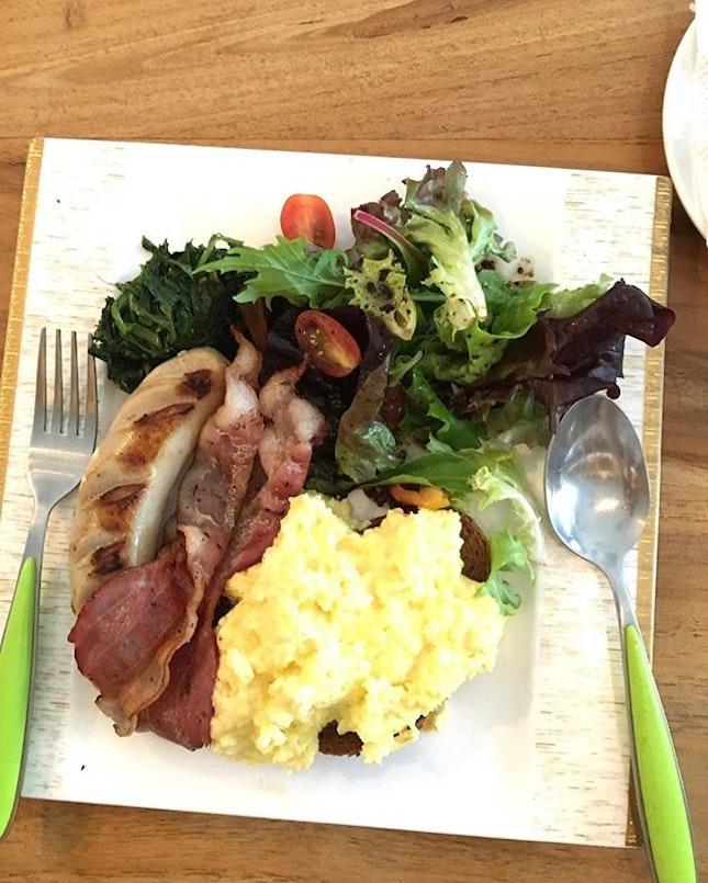 Kitchenette breakfast set!