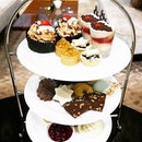 If you have no plans tomorrow and have to wait for countdown plans at night, how about having high tea (my current addiction) and reflect for 2015?
