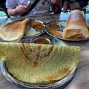 Spinach thosai in the front and normal thosai and paper behind  #Burpple #amayzing_bangsar