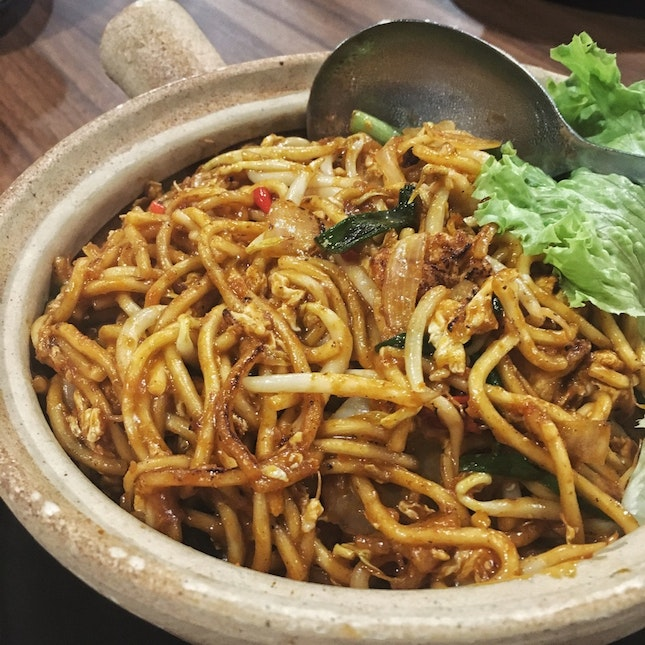 Mee Goreng ($5 for Small, $10 for Large)