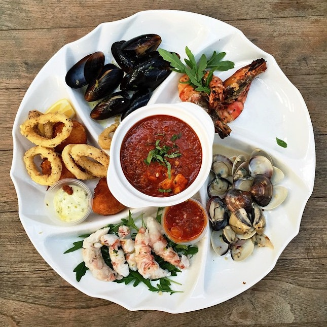A medley of all-time favourites in Coastes' Seafood Platter.